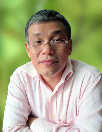 Tiến sĩ Hoàng Lê Minh, người giành huy chương vàng toán quốc tế đầu tiên của Việt Nam.
