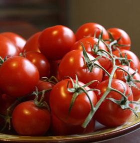 Rửa rau quả bằng nước sạch không đủ an toàn?