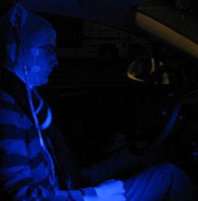Đèn xanh dương có ích như cà phê với tài xế