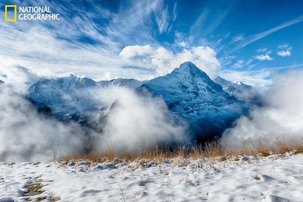 Khung cảnh hùng vĩ của ngọn núi First ở Grindelwald, Thụy Sỹ