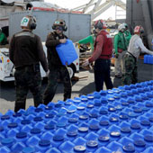 Hải quân Mỹ cung cấp nước sạch cho người dân Philippines như thế nào?