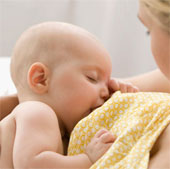 Trẻ bú mẹ sẽ giảm 50% nguy cơ mắc bệnh béo phì