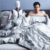"""Robot """"tấn công"""" văn phòng"""