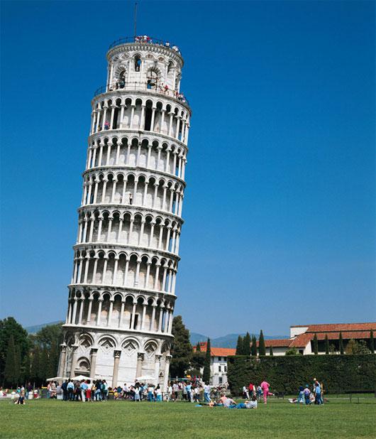 Tháp Pisa cứ thế nghiêng thêm mỗi năm một milimet.