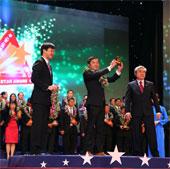 Đất Xanh nhận giải Sao Vàng Đất Việt 2013