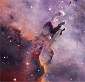"""Hình ảnh """"quan âm"""" ngồi thiền ngoài không gian"""