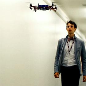 """Robot bay SkyCall - """"người dẫn đường"""" cá nhân"""
