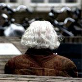Suy thoái kinh tế làm suy giảm nhận thức khi về già