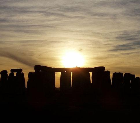 """Tiết lộ """"động trời"""" về đài thiên văn Stonehenge"""