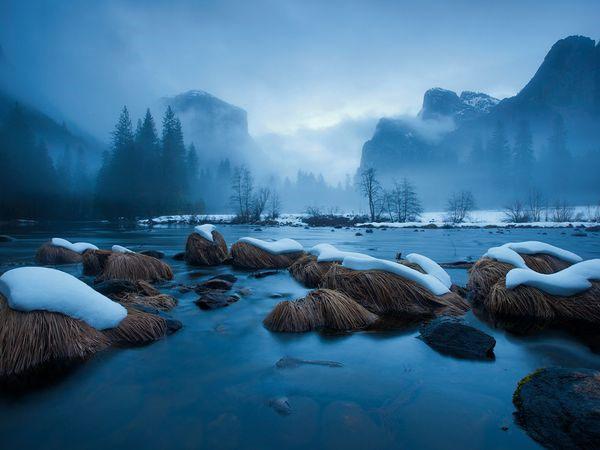 Sông Merced trong Vườn quốc gia Yosemite ở California (Mỹ)