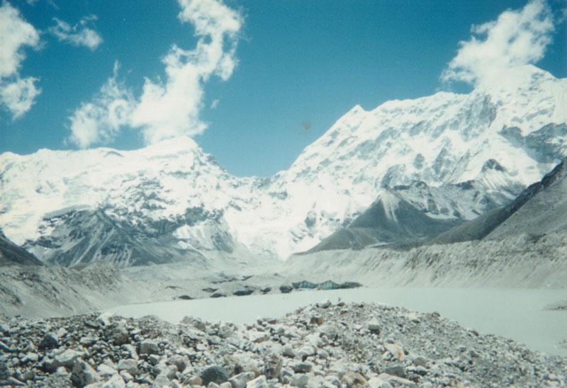 Sông băng Himalaya tan đe dọa hàng triệu người