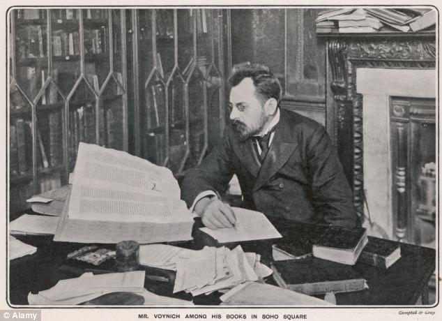 Michael Wilfrid Voynich người phát hiện ra bản thảo bí ẩn trên