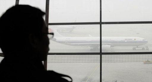 """Bắc Kinh """"ô nhiễm nặng"""", dân lên mạng để thở"""