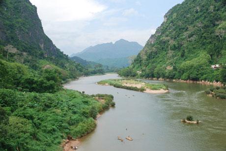 Tiếp tục hoãn kế hoạch xây đập tại Lào