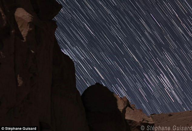 Video: Sự chuyển dịch của sao đêm ở sa mạc Atacama