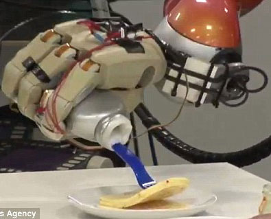Robot biết làm bánh như người