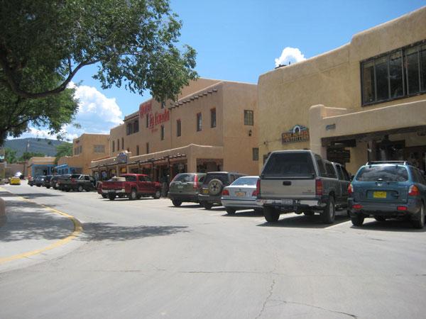 Ngôi làng Taos nhỏ bé tại Mỹ đã trở nên nổi tiếng toàn thế giới sau khi xuất hiện những tiếng động kỳ lạ