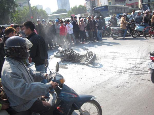 Cháy, nổ xe máy: Nguyên nhân có thể do chập điện