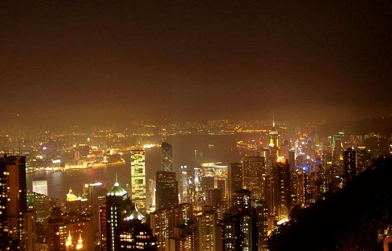 Không khí ban đêm có biểu hiện bị ô nhiễm.
