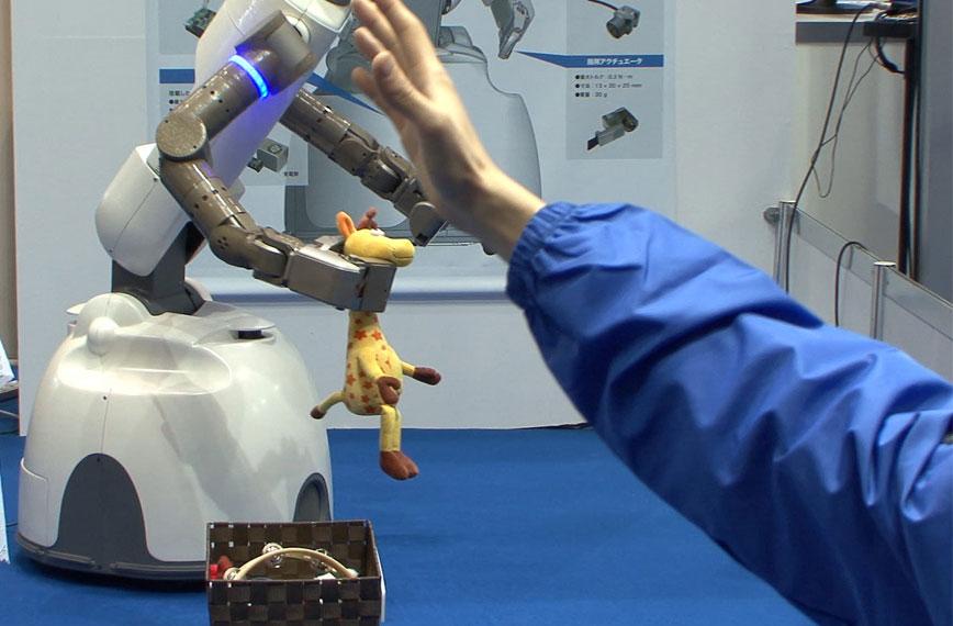 Robot dọn dẹp nhà cửa