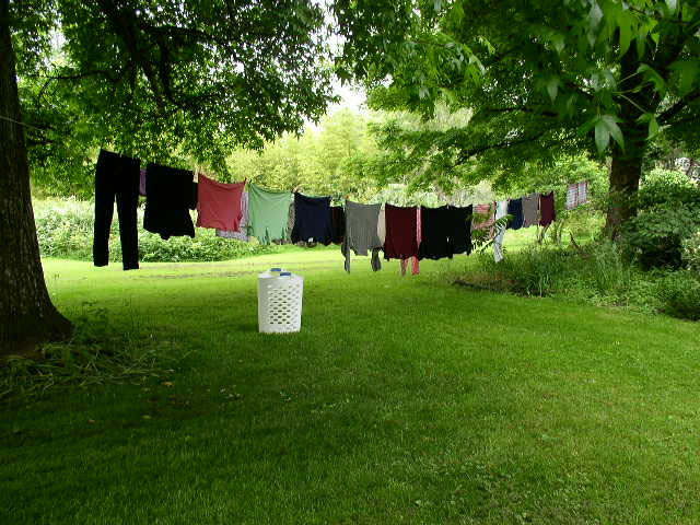 Giặt quần áo bằng cách phơi nắng