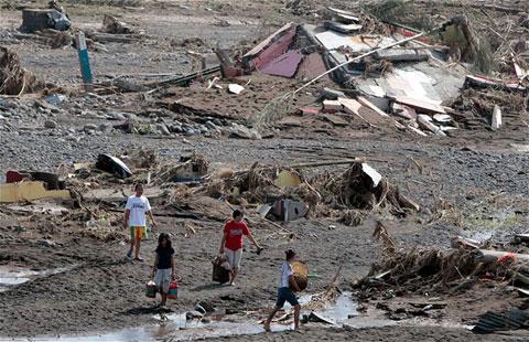 Philippines điêu tàn sau bão lớn