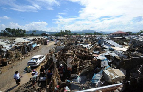 Số người chết vì bão ở Philippines vượt 900