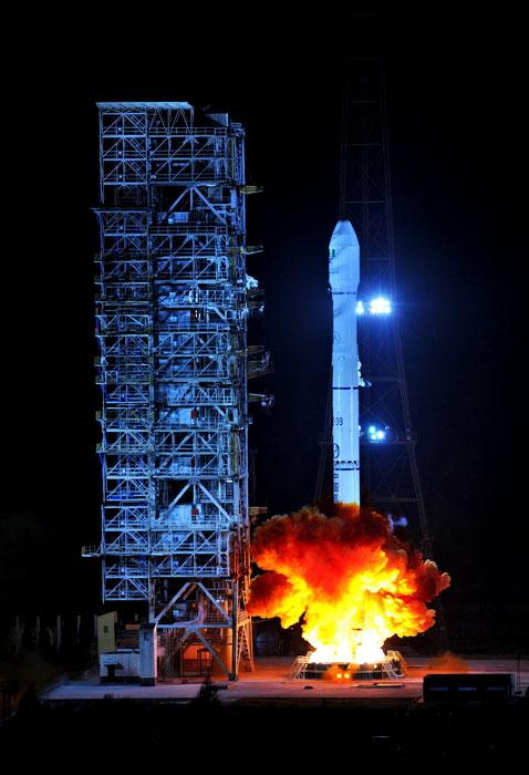 Vệ tinh viễn thông NigComSat-1R được phóng đi tại Trung tâm phóng vệ tinh Tây Xương.