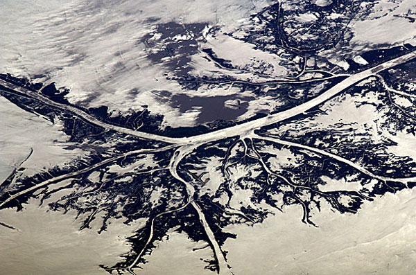 Bức ảnh khác của nhiếp ảnh gia Nespoli chụp vùng đồng bằng sông Mississippi từ trên cao.