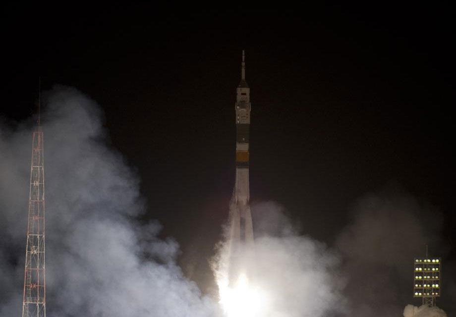 Nga đưa 3 phi hành gia Nga, Mỹ, Hà Lan lên ISS