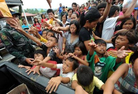 Dân Philippines khốn đốn sau bão