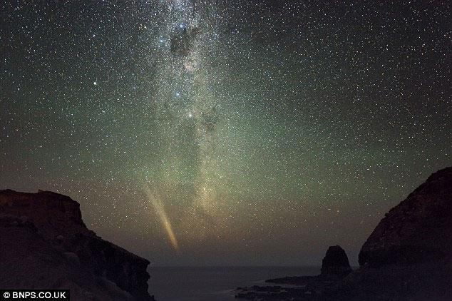 Hình ảnh sao chổi Comet Lovejoy ở khắp nơi trên thế giới