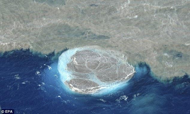 Hình ảnh của một hòn đảo khác, đảo El Hierro, mới được hình thành tại đảo New Canary