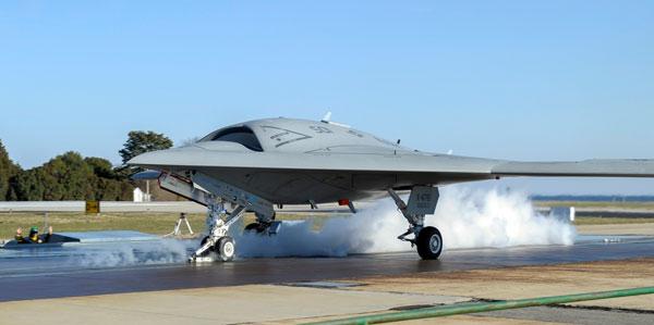 Phi cơ X-47B có tầm bay 3.200km, thời gian bay 6 giờ và có khả năng phá tín hiệu radar.