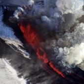 Núi lửa thức giấc sau 36 năm
