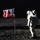 Trả 1,3 tỉ USD để du lịch Mặt trăng?