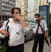 Video: Cảnh tượng khói độc lan tỏa tại Buenos Aires