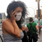 Dân ở Argentina sơ tán vì khói độc