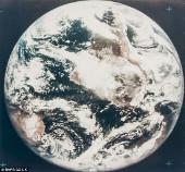Bức ảnh màu đầu tiên chụp hình trái đất