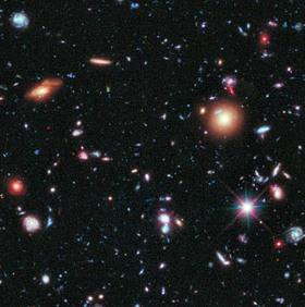 Kính thiên văn Hubble phát hiện thiên hà cổ xưa nhất