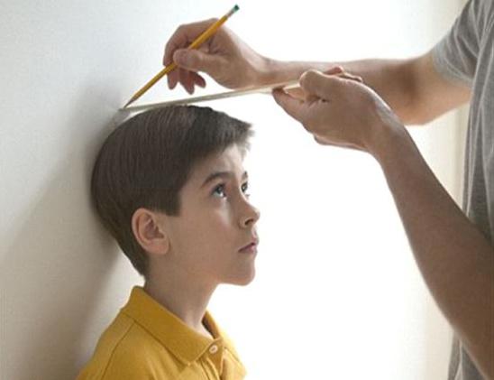 Nghiên cứu của các nhà khoa học Anh hé lộ, trẻ lớn  chậm có thể giúp chúng sống thọ hơn về sau.