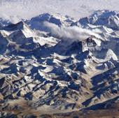 NASA đặt nhầm đỉnh Everest vào địa phận Ấn Độ