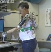 Chế tạo cánh tay robot được điều khiển bằng não