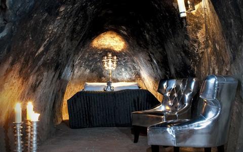 Hầm mỏ ở ngoại ô Sala