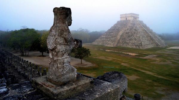 Ngôi đền Kukulkan của người Maya ở khu di tích Chichen Itza, Mexico
