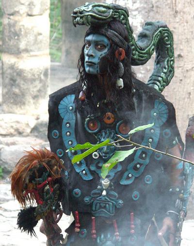 Phương pháp chữa bệnh của người Maya là sự kết hợp phức tạp giữa tư tưởng, cơ thể, tôn giáo, nghi thức và khoa học.