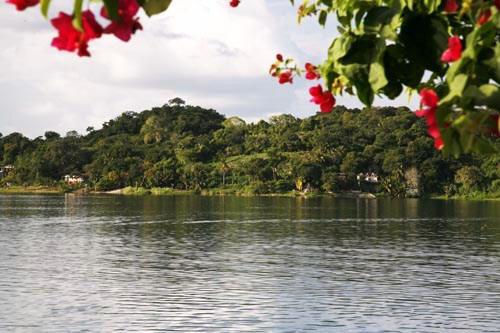 Thành phố đảo Tayasal là vương quốc Maya độc lập cho tới tận năm 1697.