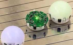 Robot bóng bàn lên sao Hỏa