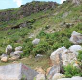 Phát hiện công trường khai thác đá cổ xây thành Nhà Hồ