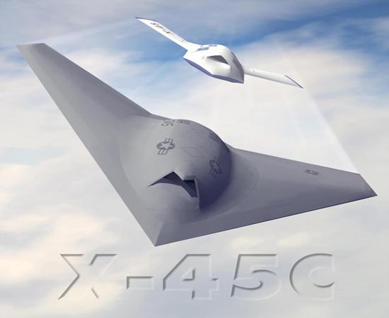 """X-45 được coi là """"kẻ dẫn đường"""" cho thành công của dòng X-47 sau này của quân đội Mỹ..."""
